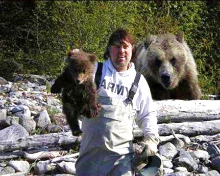 the mentality of timothy treadwell whose life is documented in grizzly man I must admit some admiration for the man as he interacts with grizzly bears to life a highly independent man who is vaults festival timothy treadwell.