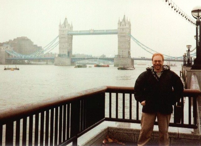 Photo2-TowerBridge1999SonyMavica