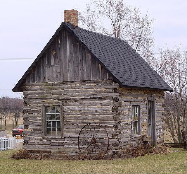 Colonial Log Homes